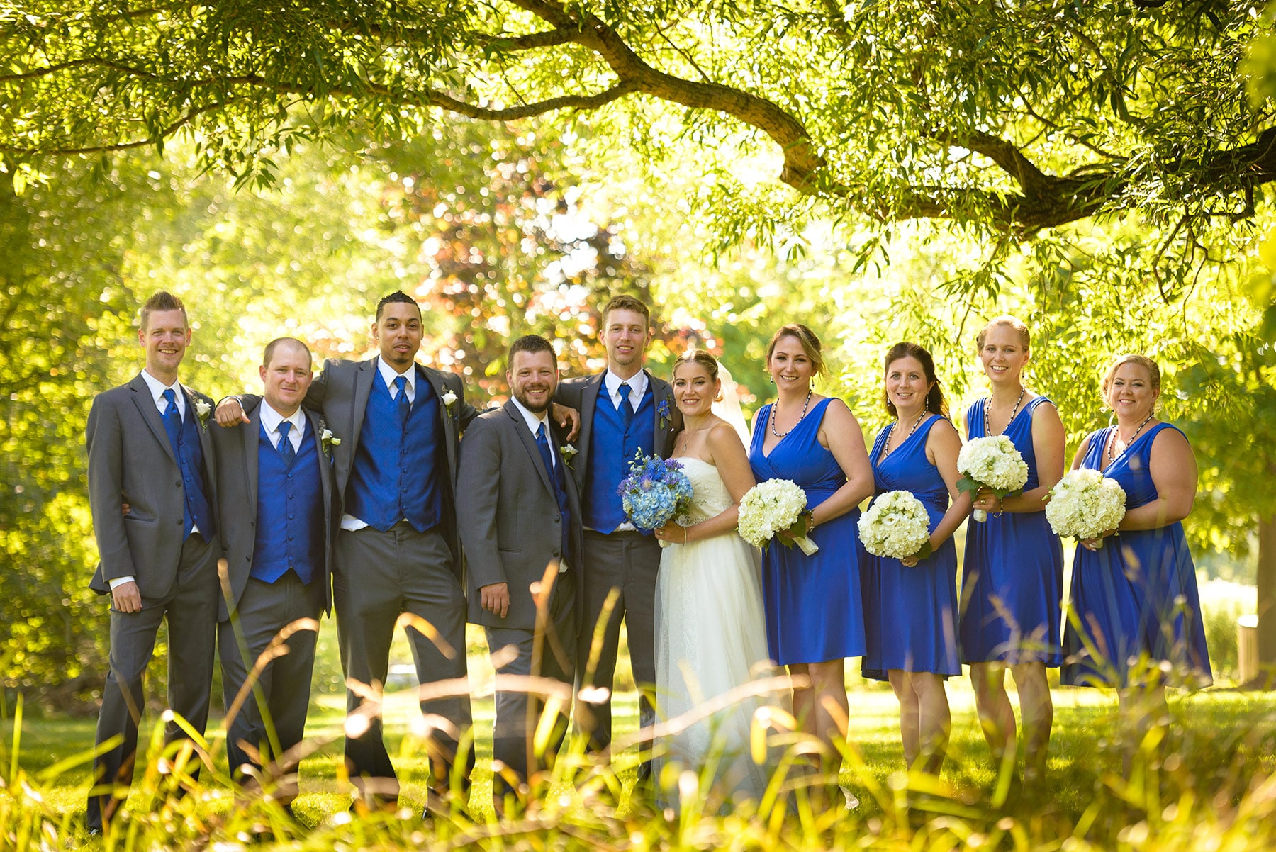 Large wedding party by Toronto wedding photographer Ryan Visima